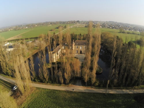 photo aerienne par drone chateau